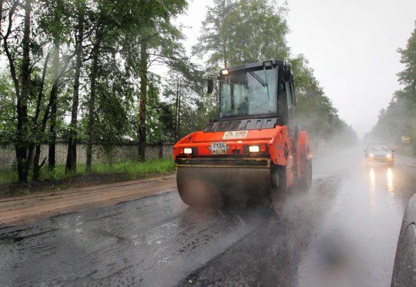 Укладка асфальта в дождливую погоду